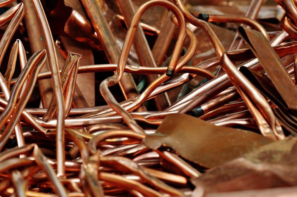 De nombreux efforts ont déjà été amorcés grâce au recyclage de câbles électriques, de déçhets industriels...